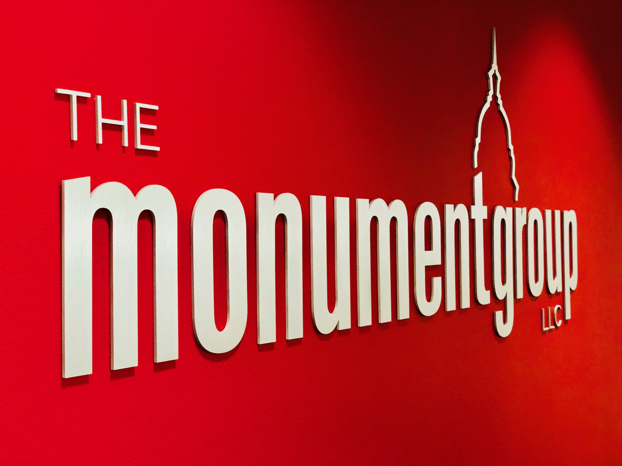 Monument Group office logo